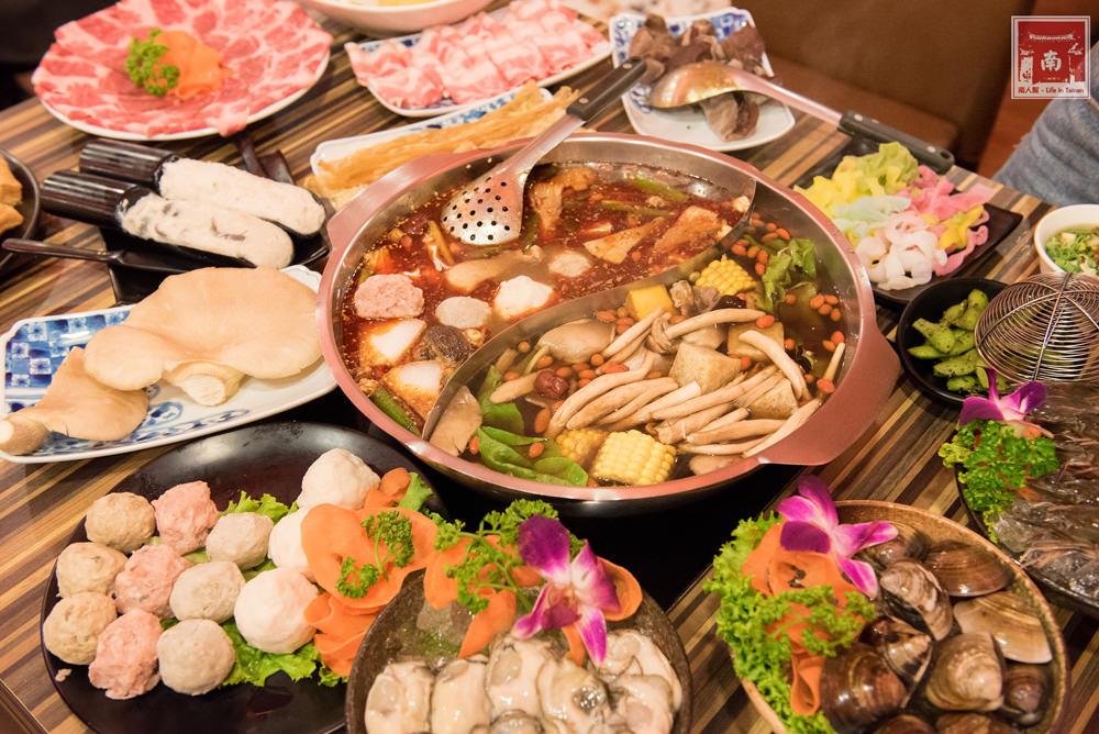 【台南美食】食材新鮮又澎湃|湯頭美味|白飯、冰淇淋和鍋底免費吃~勾勾鍋鴛鴦火鍋