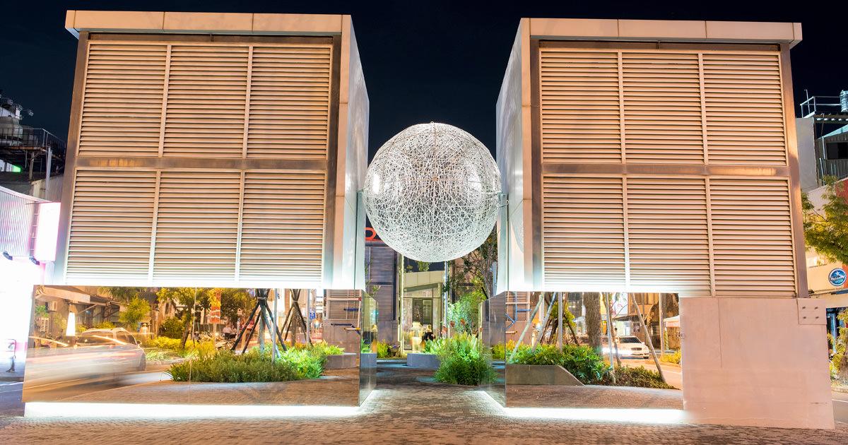 【台南中西區】台南夜拍推薦 城市報時器晚上9點全部啟動 海安藝術街2.0版~街道美術館PLUS