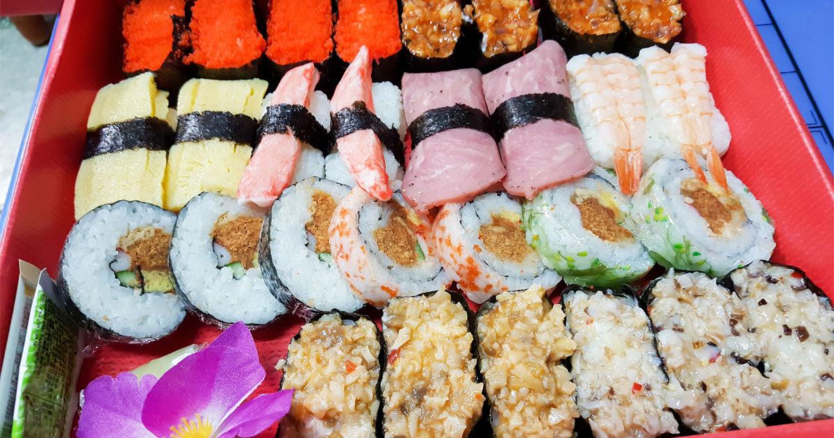 【台南美食】日式選擇輕食無負擔|現點現包壽司|豪華和風壽司29顆330元|每日推出優惠組合~~雙餘堂精緻壽司