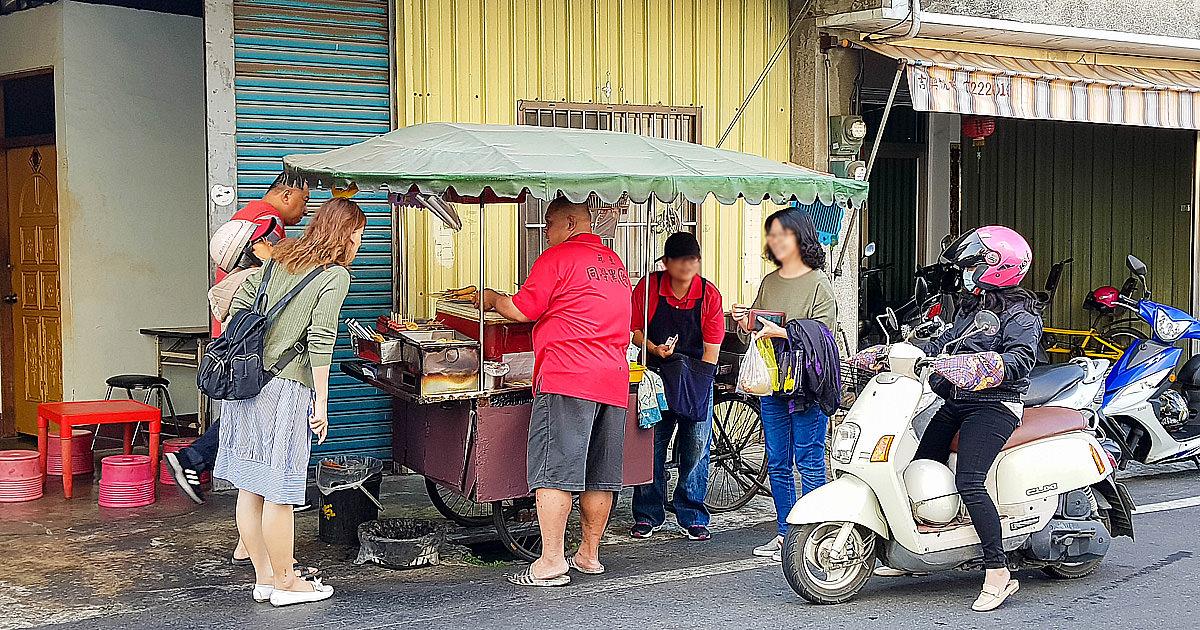 【台南美食】誰說麻豆只有碗粿,也有50年的黑輪米血攤|炸香腸.大腸.甜不辣|黑輪米血~同學黑輪
