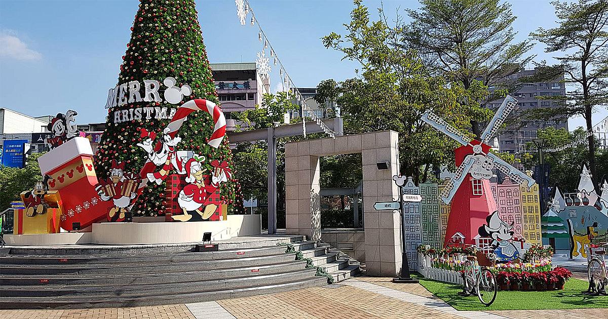 【高雄景點】遇見米奇與好朋友 全台唯一!迪士尼迷必去打卡點 玩遊世界期間限定店~漢神巨蛋聖誕樹