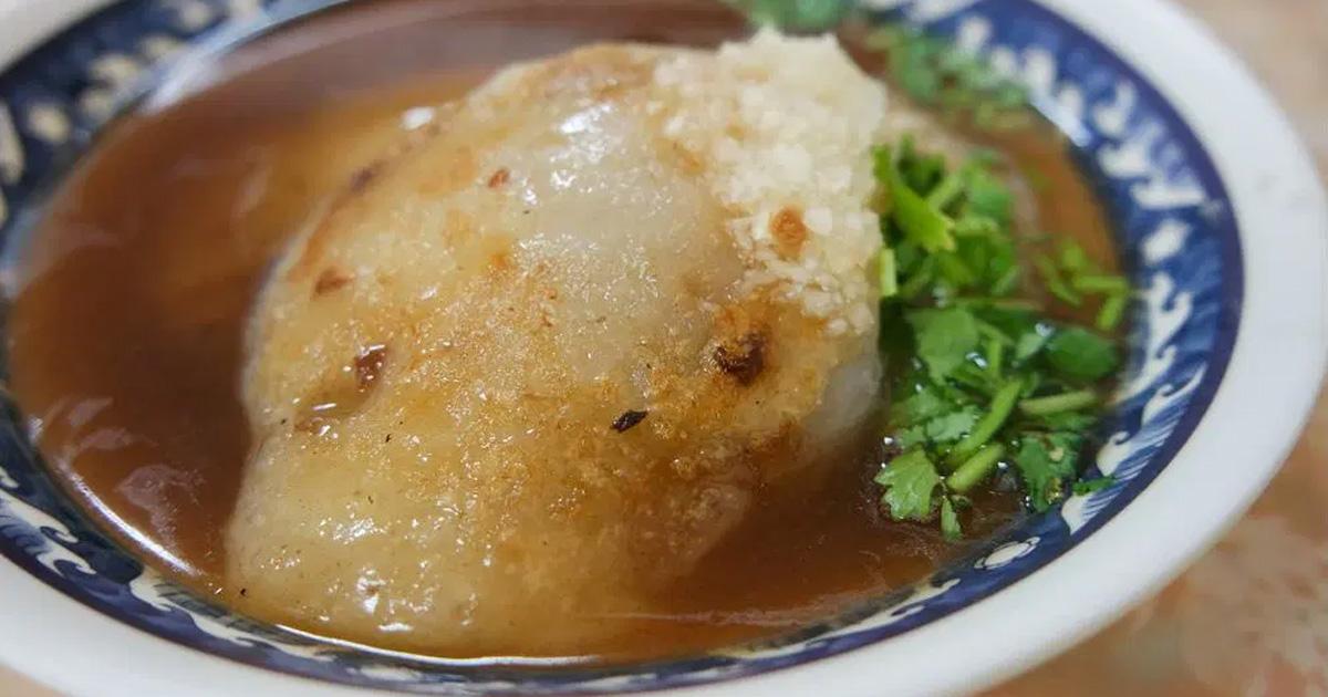 【台南小吃】中午才營業的新化小吃|比蘿蔔糕更軟嫩的肉粿~~阿鳳肉粿