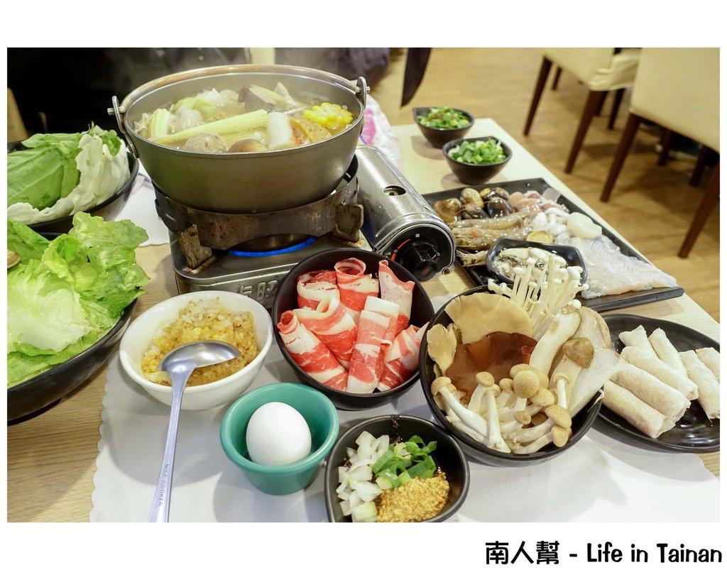 【台南南區-美食】海鮮鍋還有鮑魚│豬油拌飯│網友大推CP值超高的小火鍋店~~小葉鍋物料理