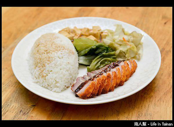 九旺燒臘-脆皮燒肉飯(70元)