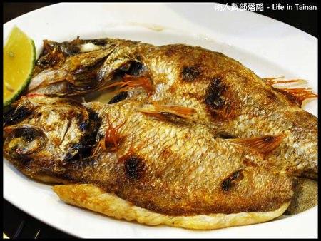 台南深海釣客-煎魚.jpg