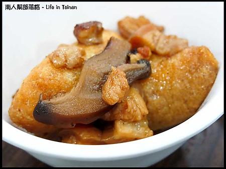 膳居園-油豆腐.肉燥.jpg