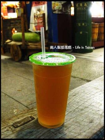 兩角銀古早味冬瓜茶店-百年冬瓜茶(大杯35元).jpg